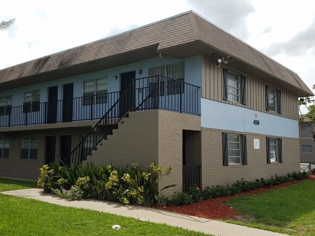 Apartment Rental Agency in FL Pompano Beach 33064 Palm Island 401 NW 34th Street  (954)943-6834