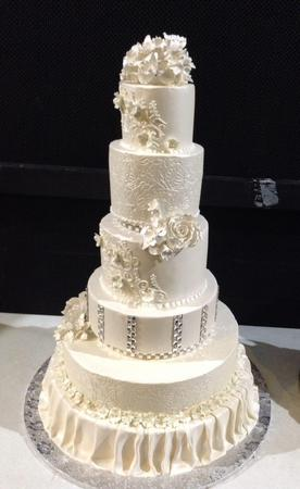 Image 3 | Wedding Cakes by Tammy Allen