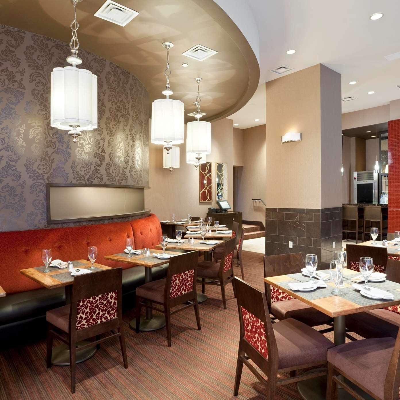 Doubletree Stone Street Restaurant