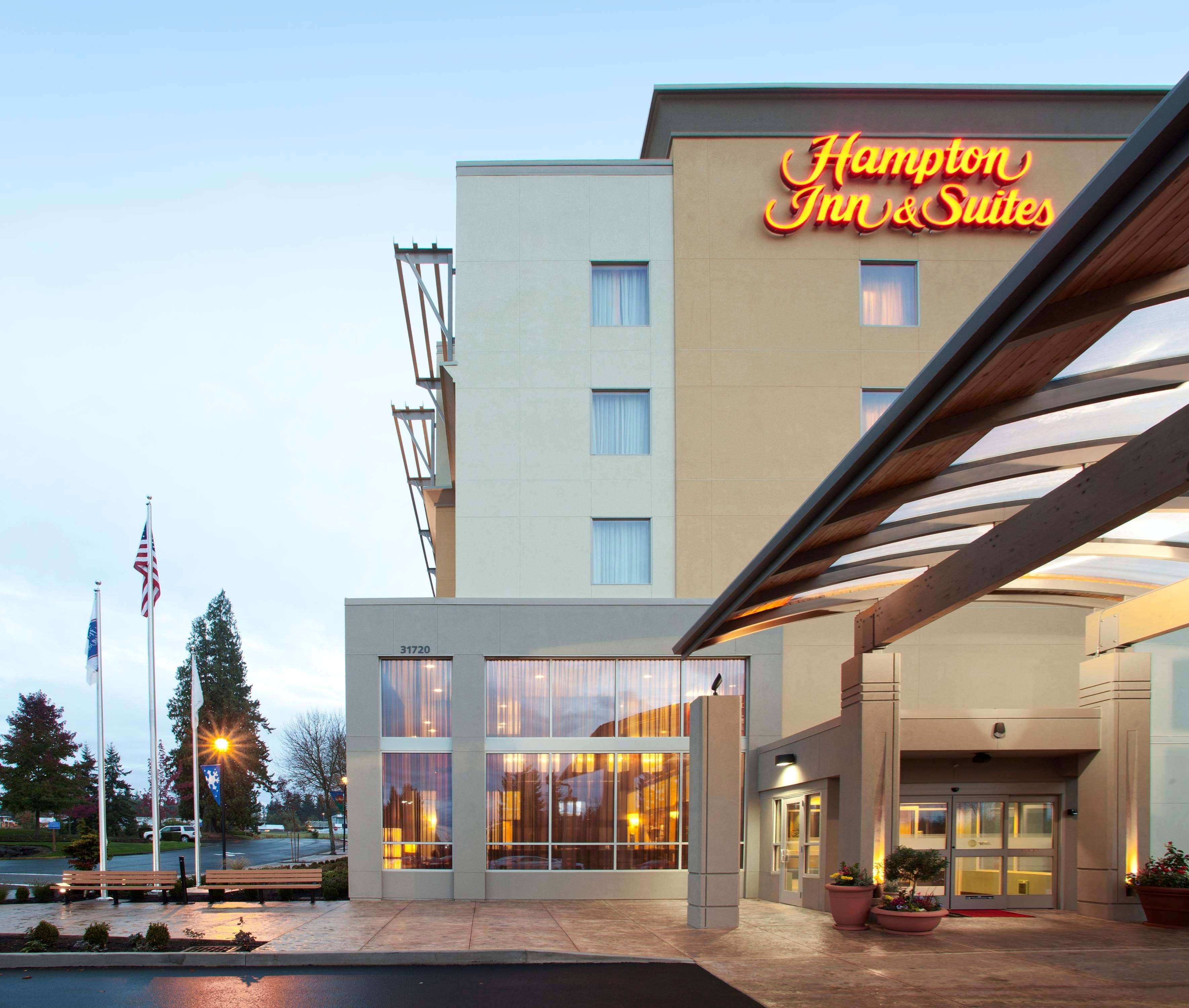 hampton inn suites seattle federal way federal way. Black Bedroom Furniture Sets. Home Design Ideas