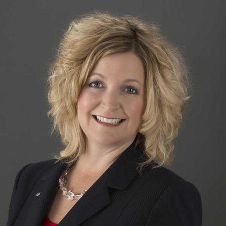 Dawn Provost, Private Banker