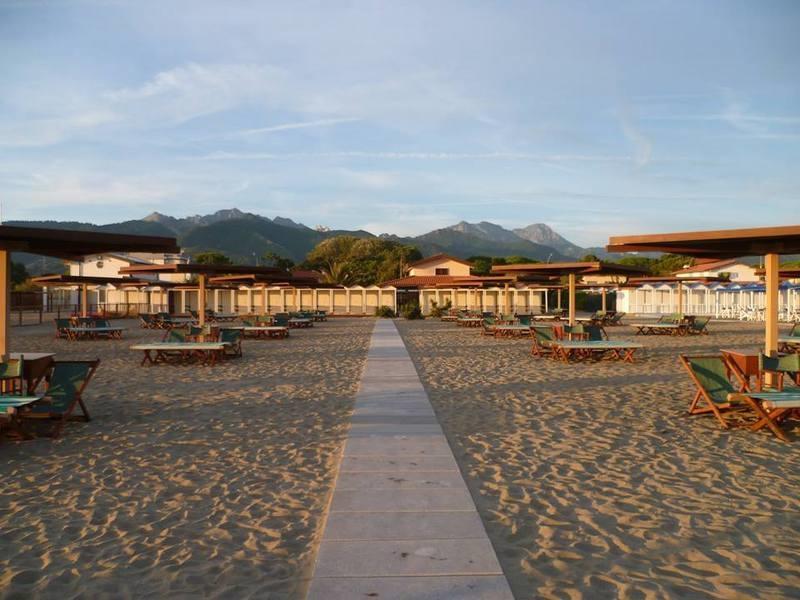 Attrazioni turistiche a forte dei marmi infobel italia for Bagno san francesco forte dei marmi