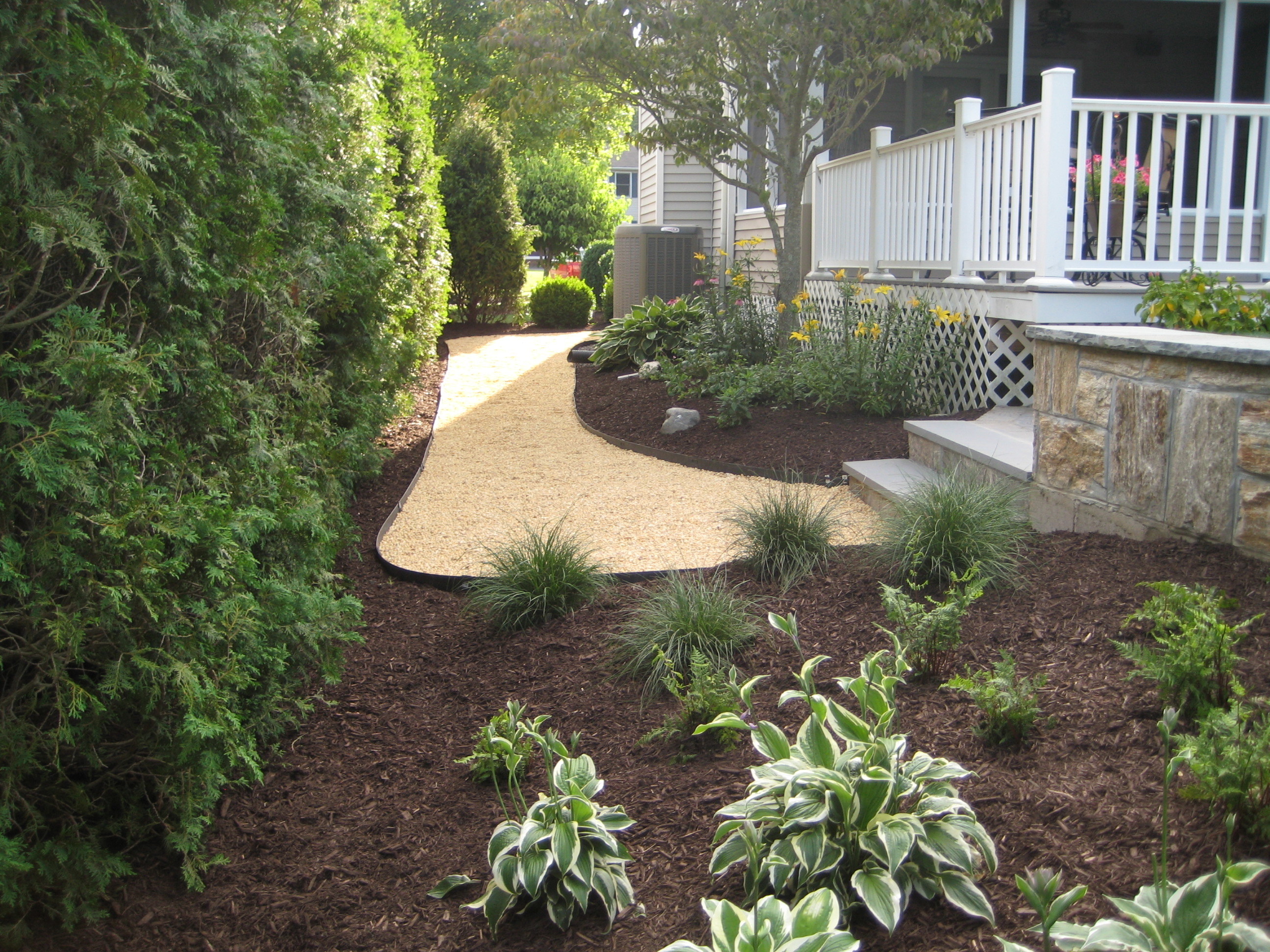 Riccio landscaping tree service in monroe ct 06468 for Tree and garden services
