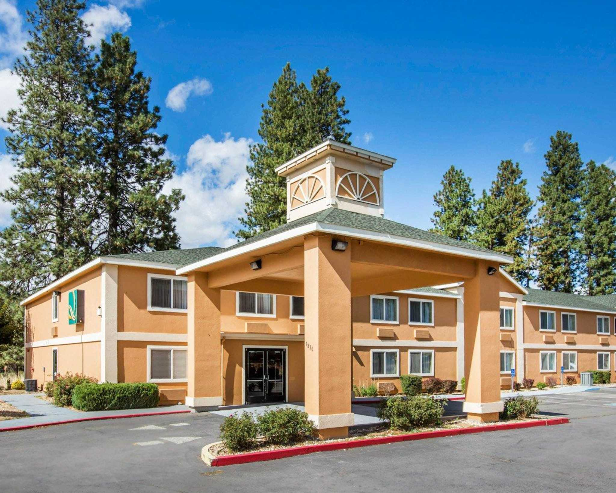 Weed Ca Hotels And Motels