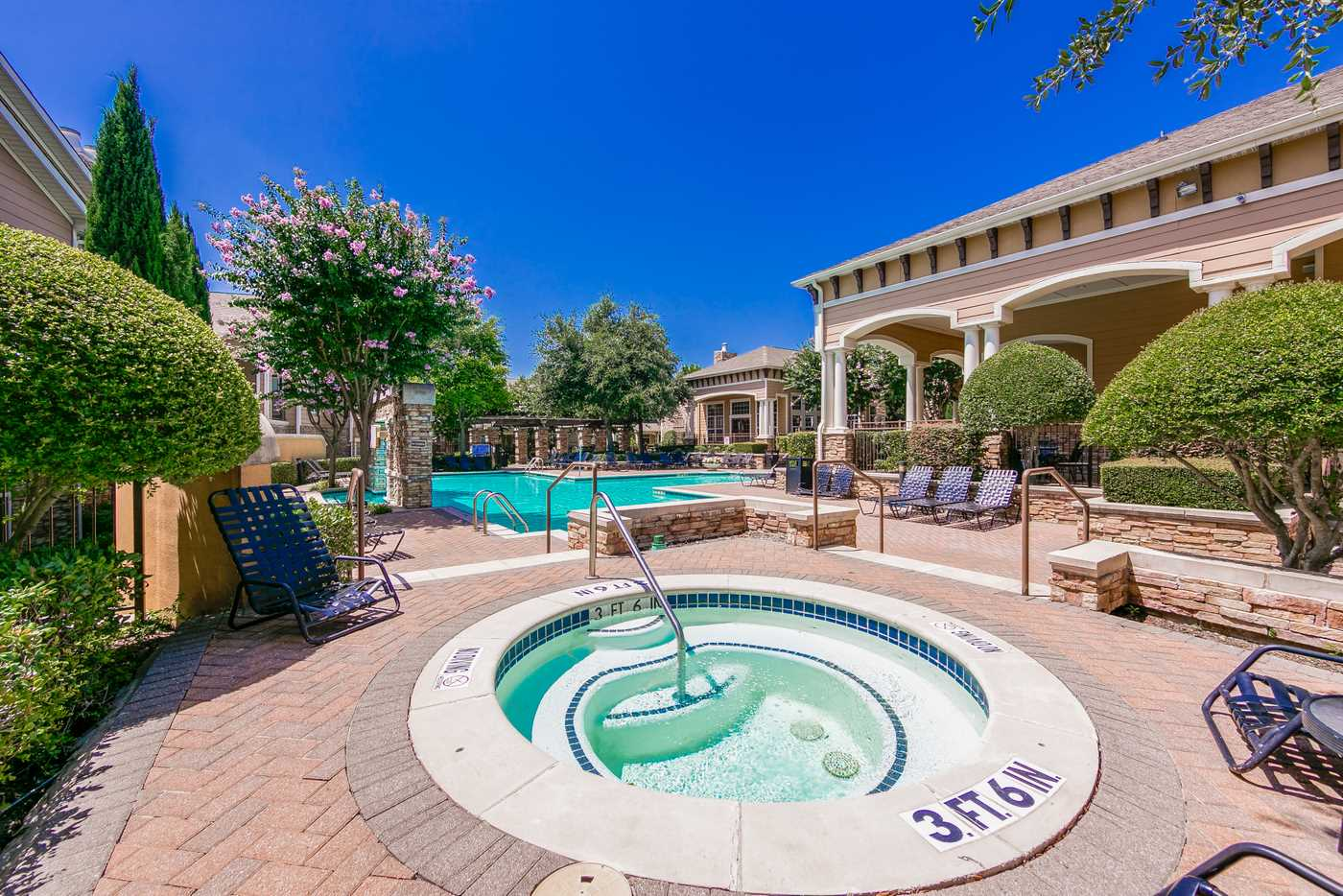 Courtney Manor Apartments In Plano Tx 75025