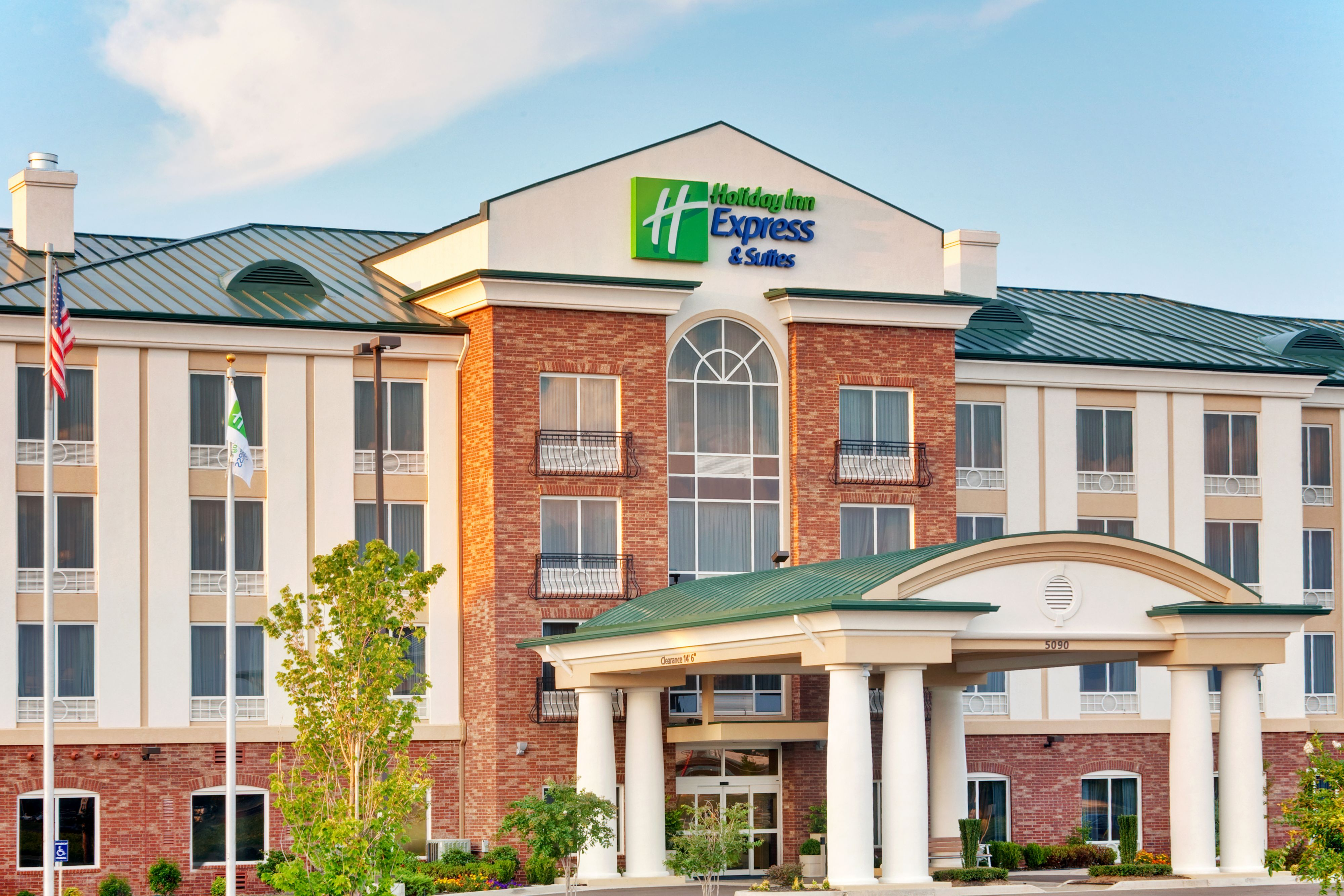 Holiday Inn Express & Suites Milford, Milford Connecticut ...