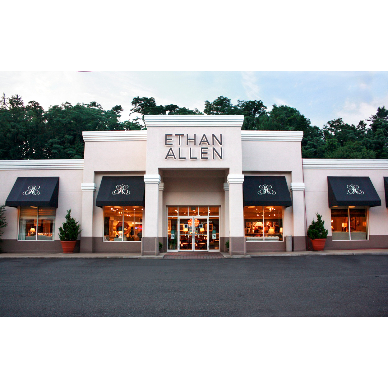 Ethan allen hartsdale new york localdatabasecom for Furniture reupholstery yonkers