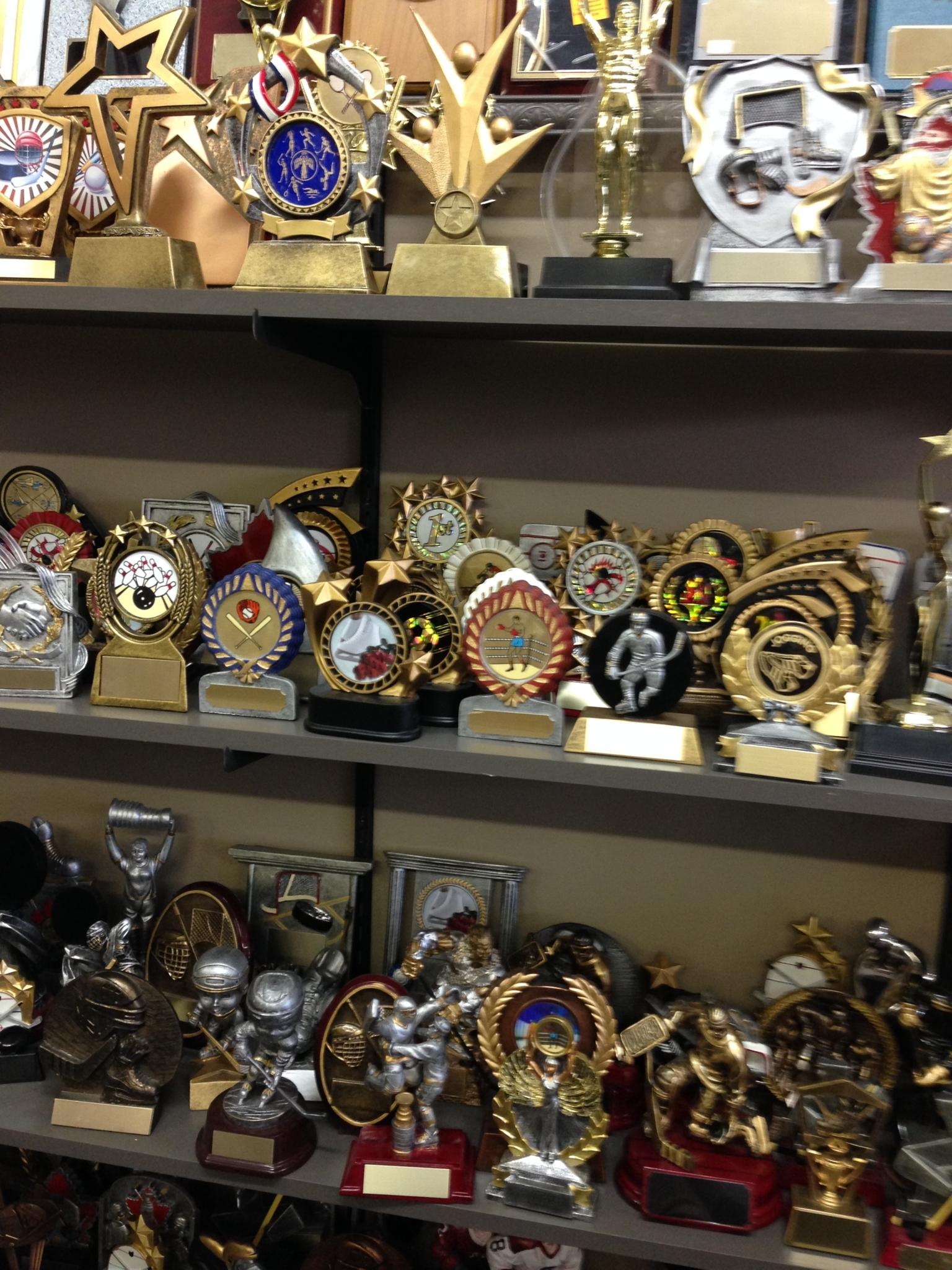 Trophée Leighco Deluxe Trophies Ltée à Roxboro
