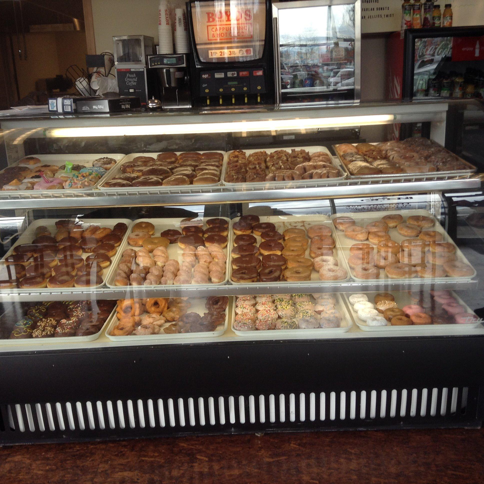 bizzy jeans donuts - Springfield, OR - Bakeries