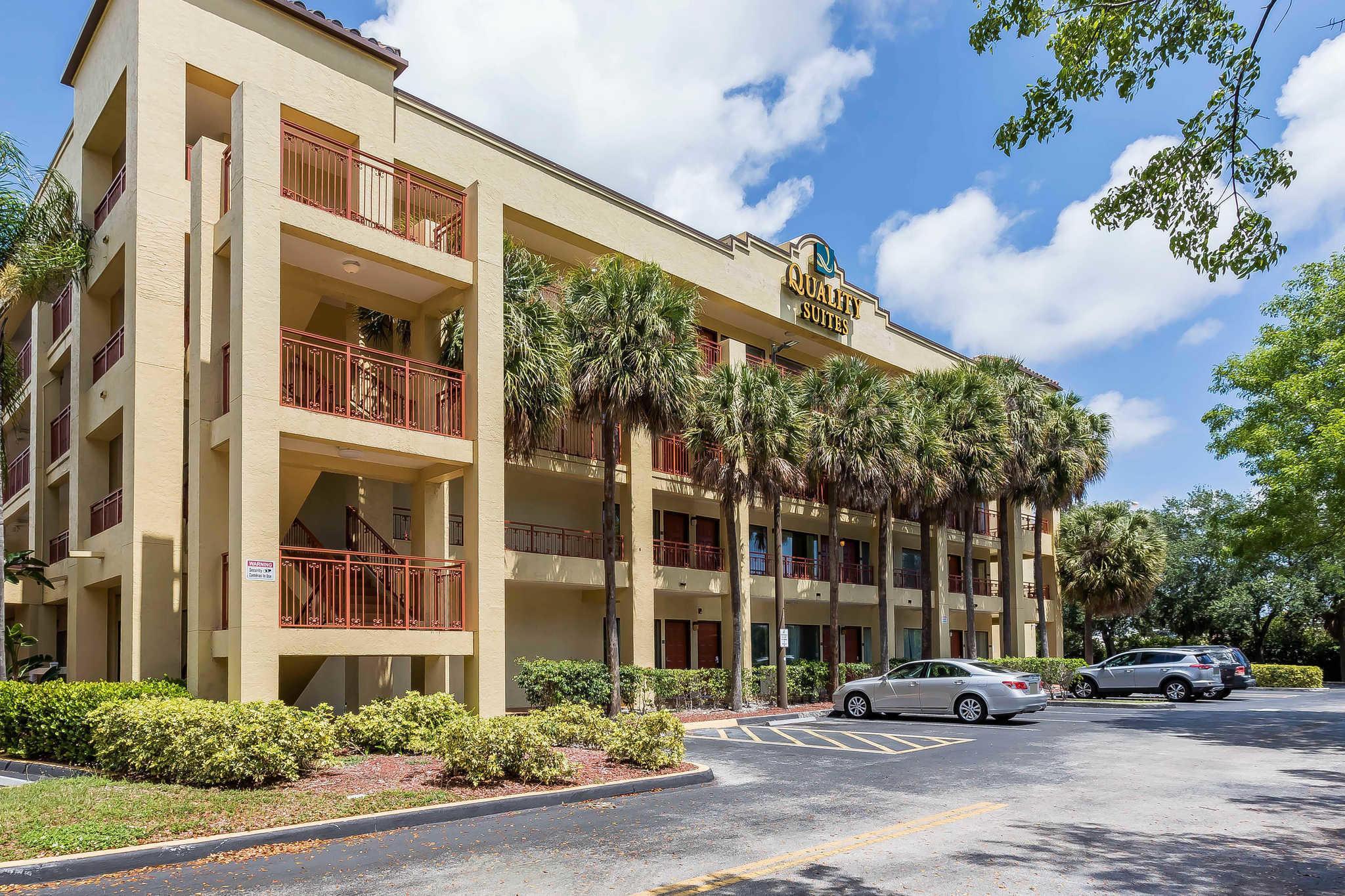 Hotels Near Deerfield Florida