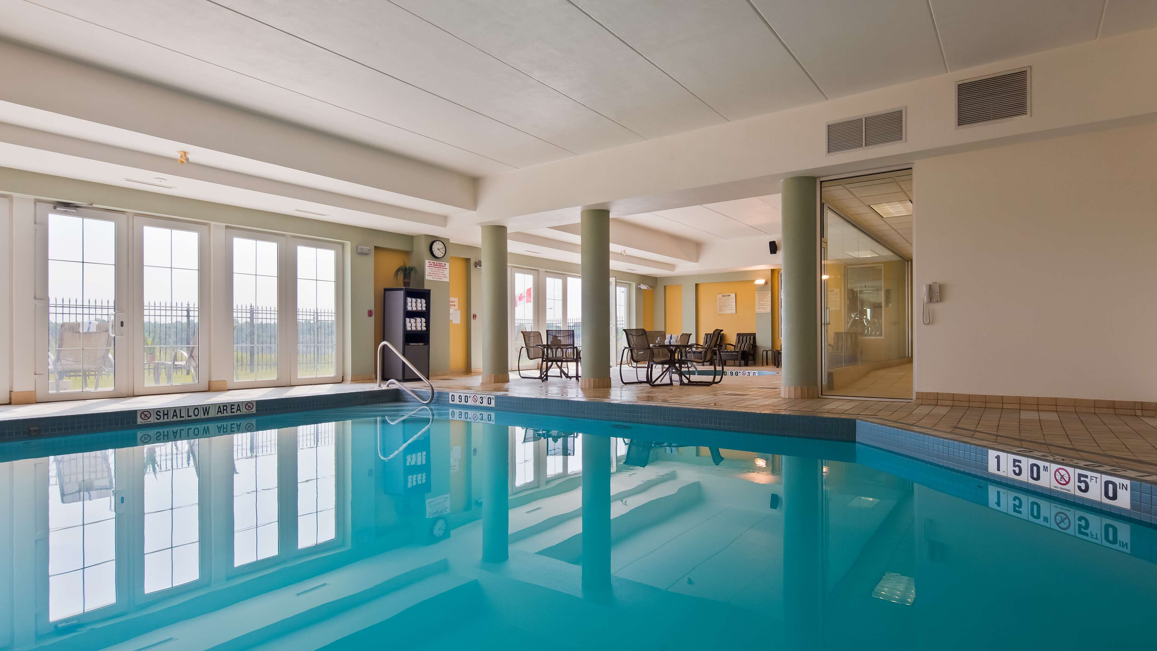 Indoor Pool Best Western Plus Orangeville Inn & Suites Orangeville (519)941-3311