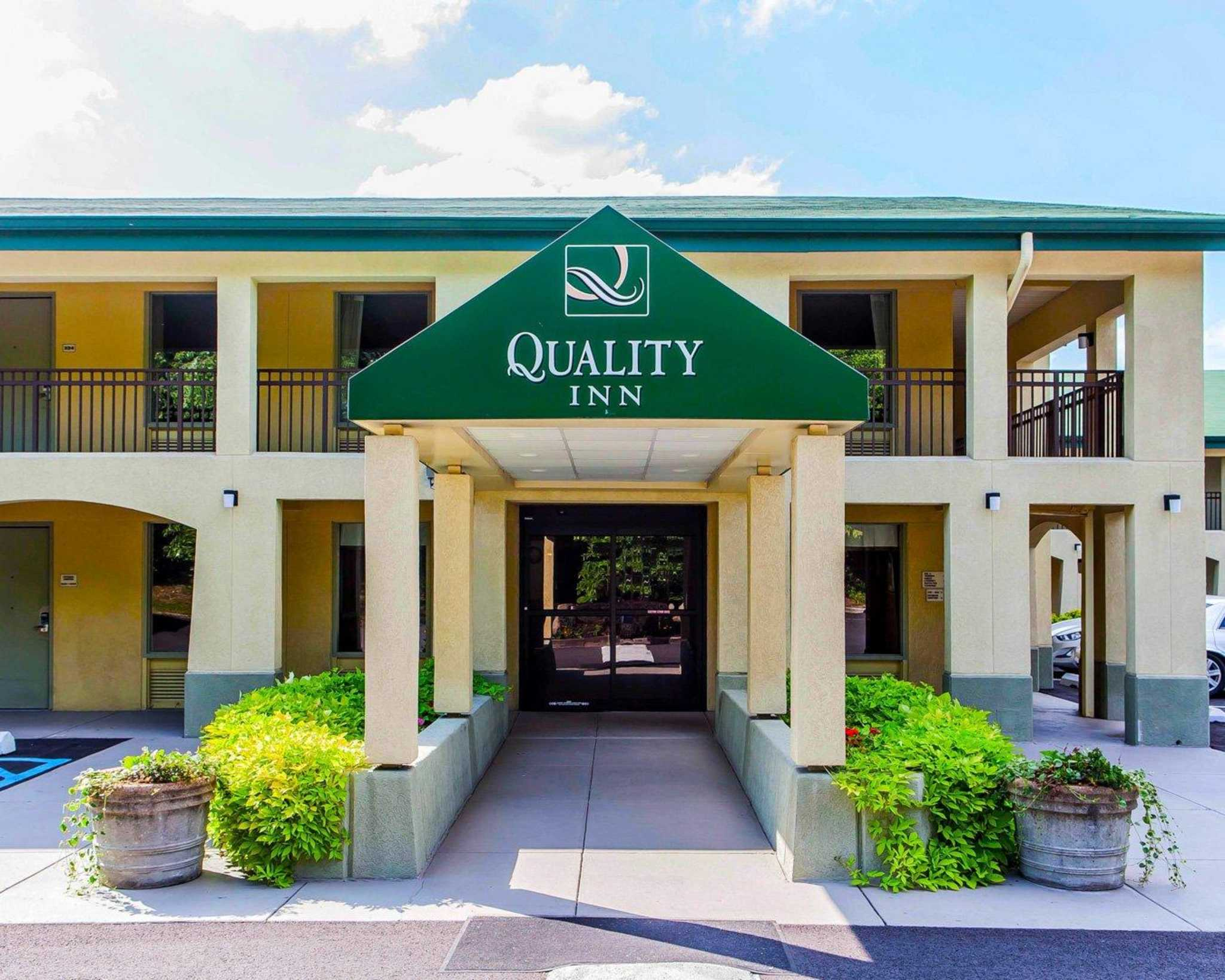 Quality Inn Coupons and Deals including: Up to 10% Off for State Employees and Government Travelers, Up to 10% Off for AAA CAA Members, 10% Off for Senior Citizens, Up to 20% Off Participating Hotels, 10% Off for Active Military, Veterans and Dependants, Get 10 Points Per $1 Plus Lowest Rate for Choice Privilege Members.