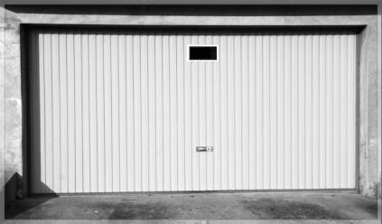 I.E.S. Garagedeuren en Hekopeners