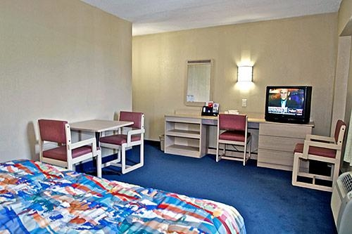 Motel 6 Washington DC image 3