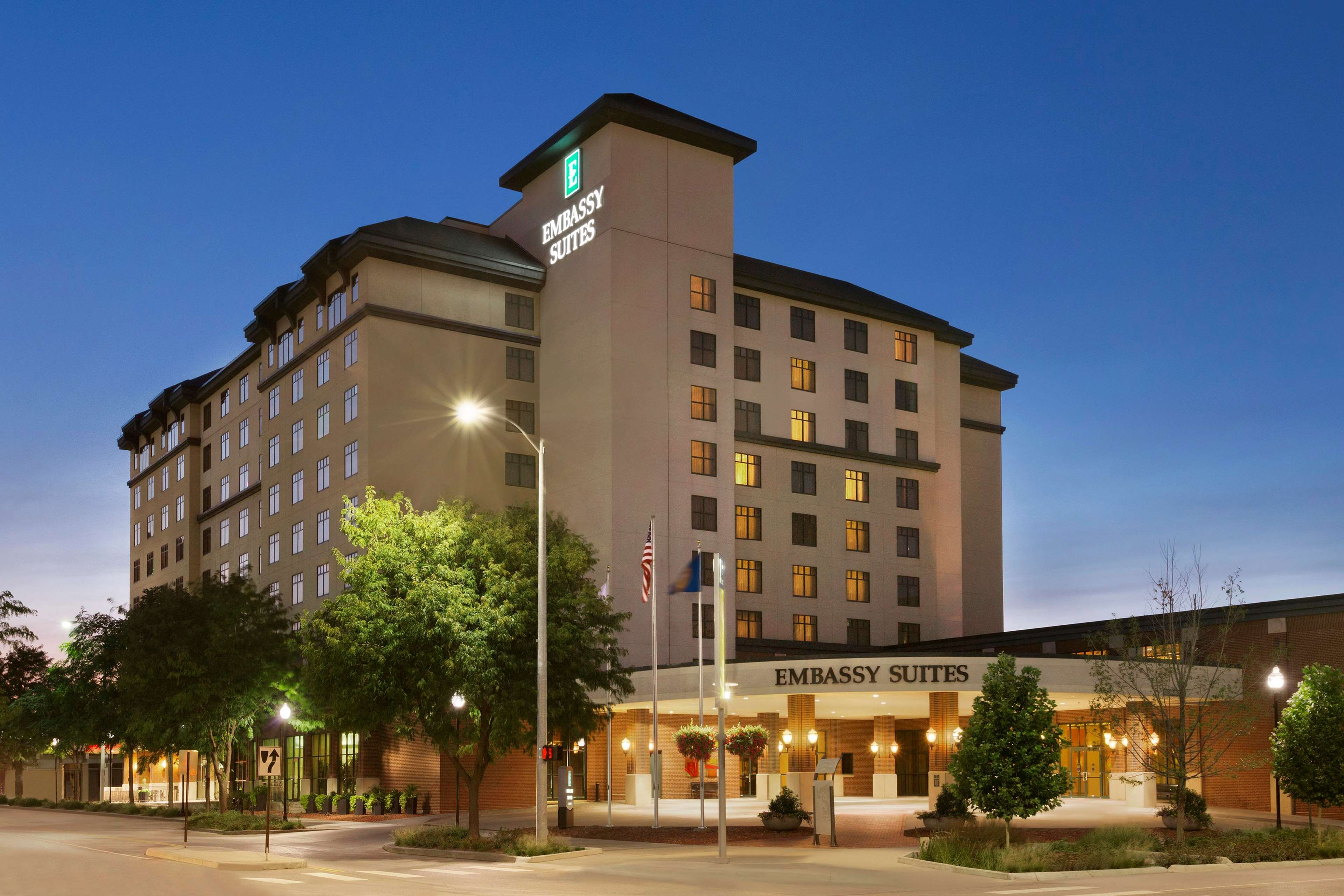 Embassy Suites By Hilton Lincoln In Lincoln Ne 68508