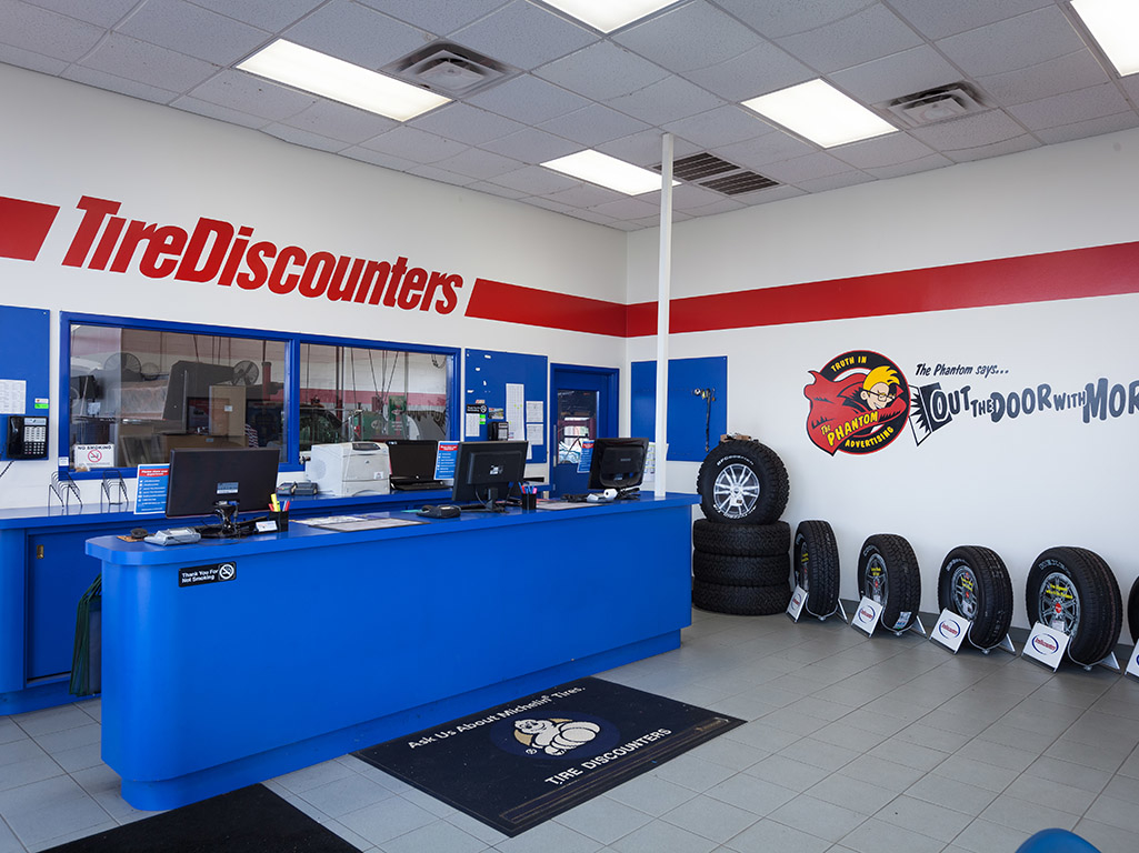 Earn 4% cash back at Discount Tire Shop Now You may earn 4% cash back, up to a maximum of $ per transaction, for each qualifying purchase made at resultsmanual.gq