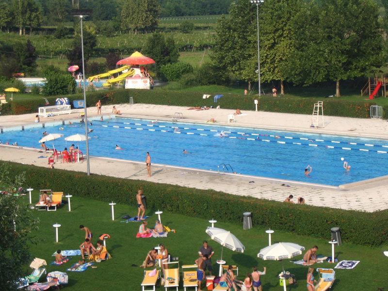 Parco divertimenti a caldiero infobel italia for Piscina olimpia vignola telefono