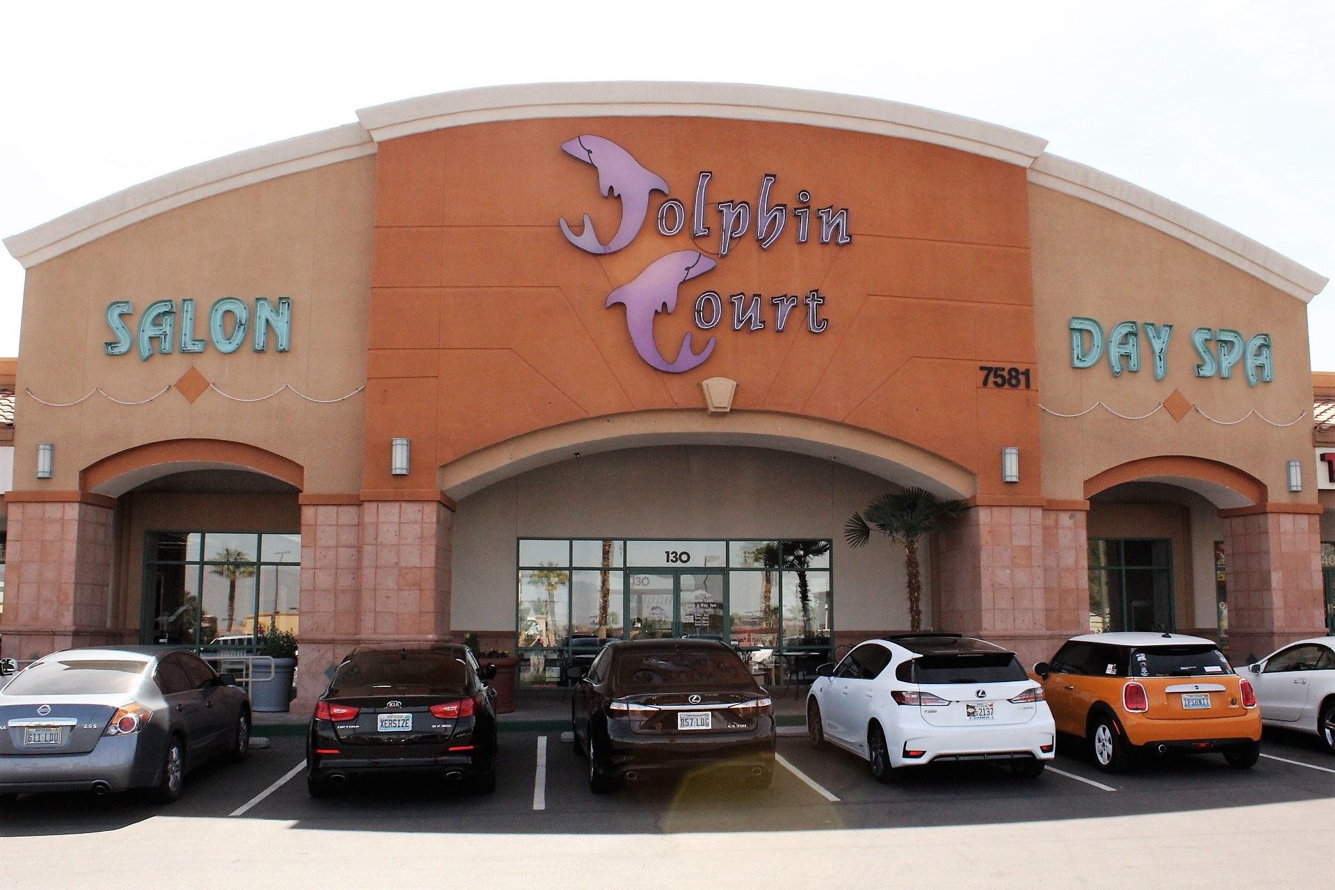 Dolphin Court Salon Day Spa I Las Vegas, Nv 89128-8989