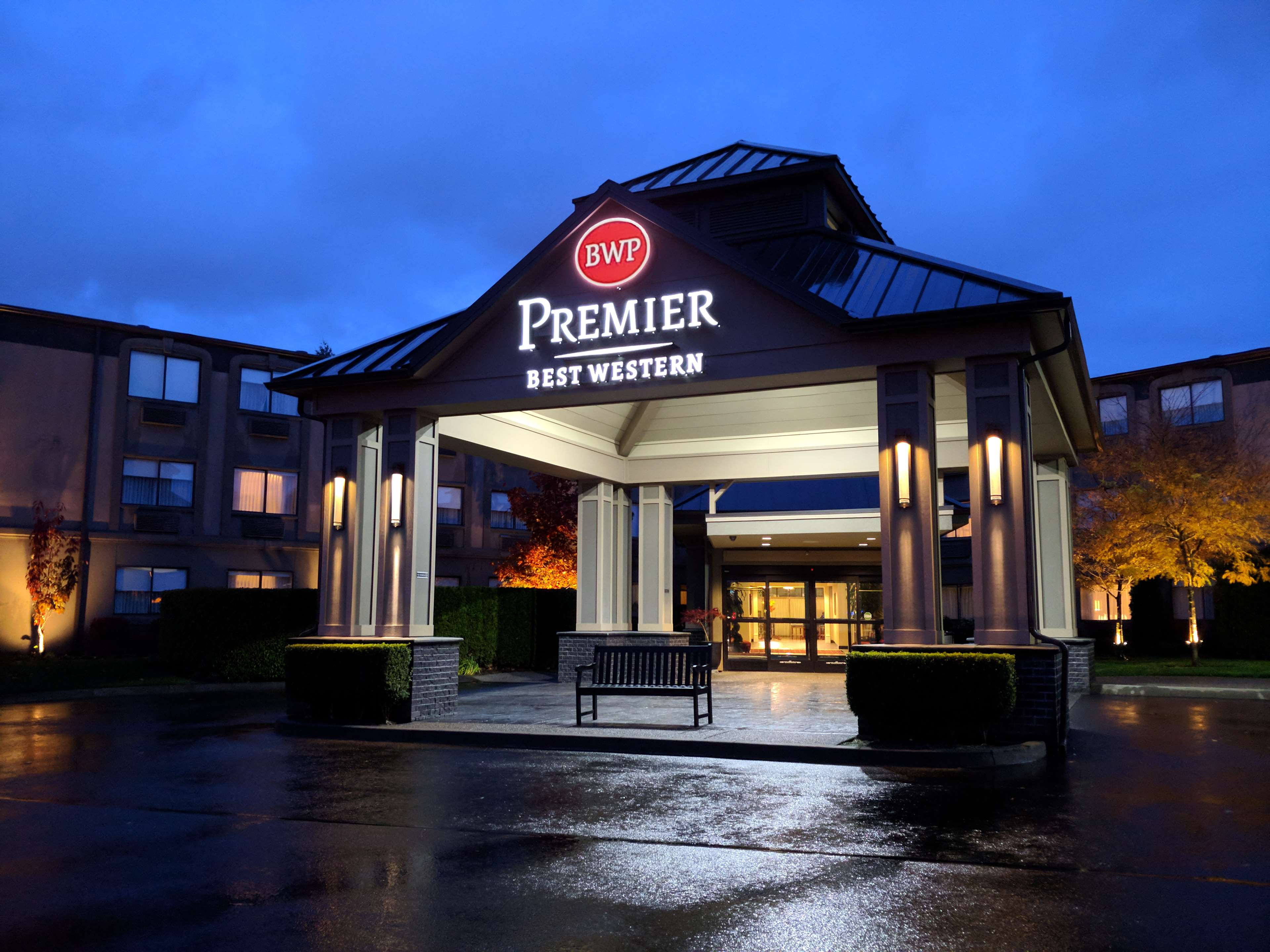Best Western Premier Plaza Hotel & Conference Center. 4 Surfside Court Private Holiday Home. Hotel Aryaduta Medan. Le Moulin Du Roc Hotel. Leicester Marriott Hotel. Peppermint Hotel West Gurgaon. Treff Hotel Munster City Centre. Inn At Depot Hill. Romance Another Story In Pai Hotel