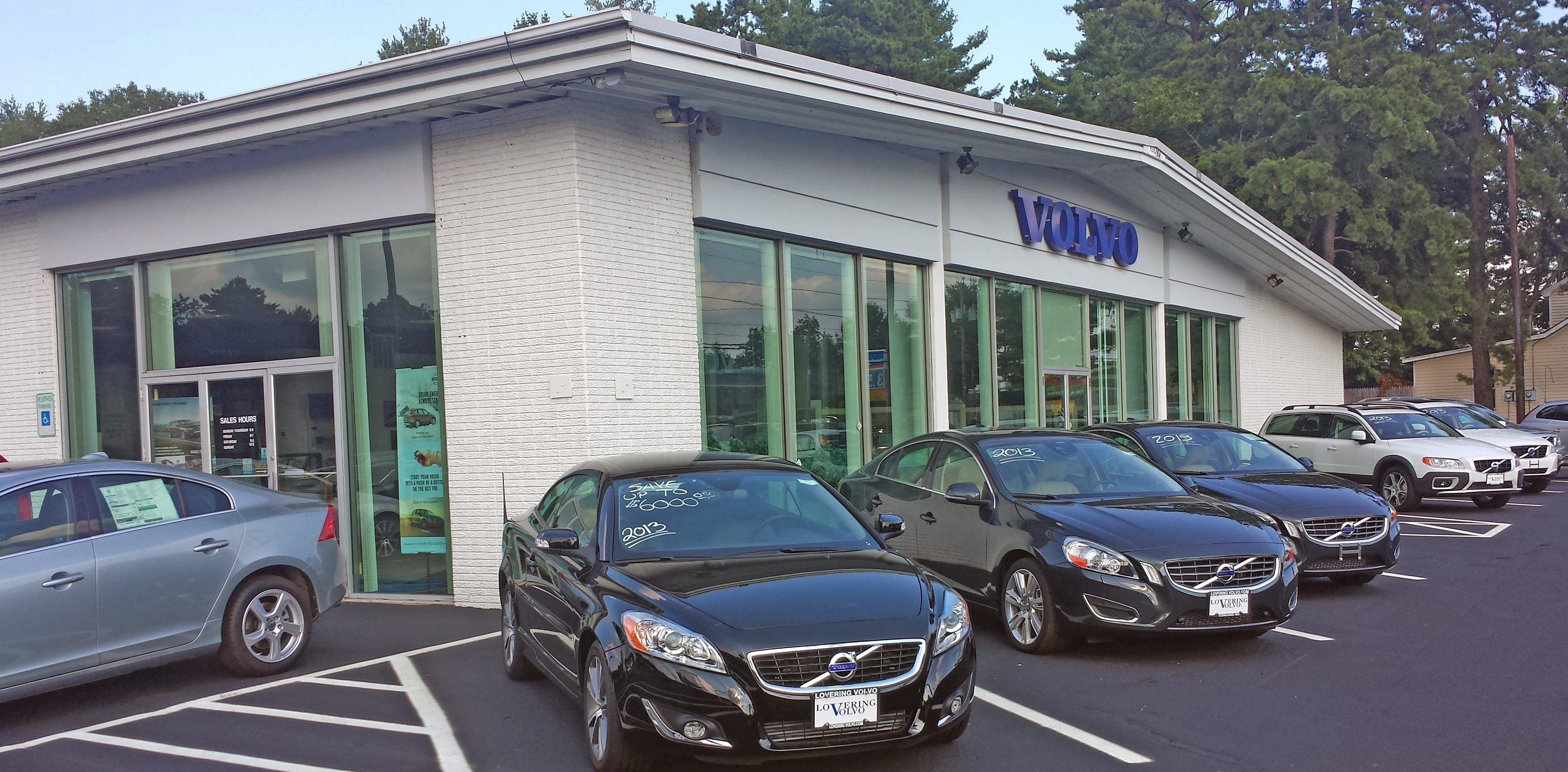 lovering volvo cars concord in concord nh 03301. Black Bedroom Furniture Sets. Home Design Ideas