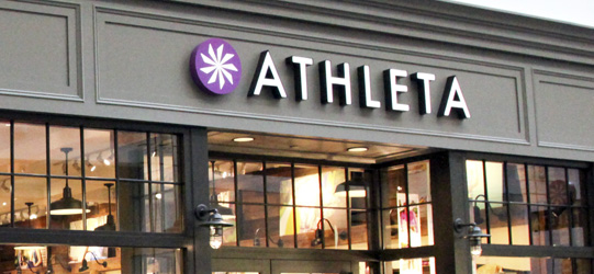 My daughter and I visited this location while on vacation in Chicago. After placing my items in my dressing room, never saw the young lady again until I was dressed and done! I was just at an Athleta in Las Vegas and those ladies were awesome. And the same went for an Athleta in Scottsdale. Super attentive and helpful/5(15).