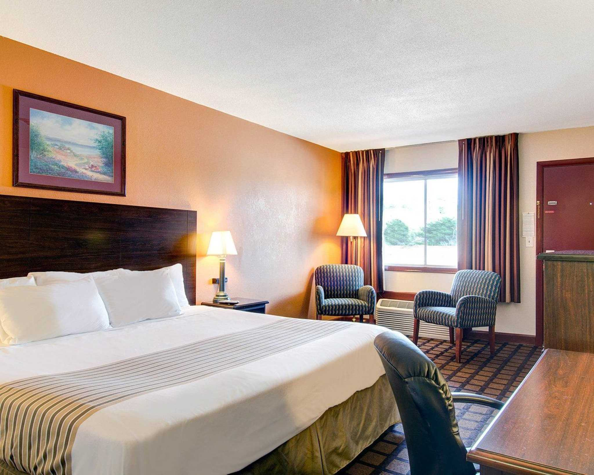 Hotels Near Sharon Ma