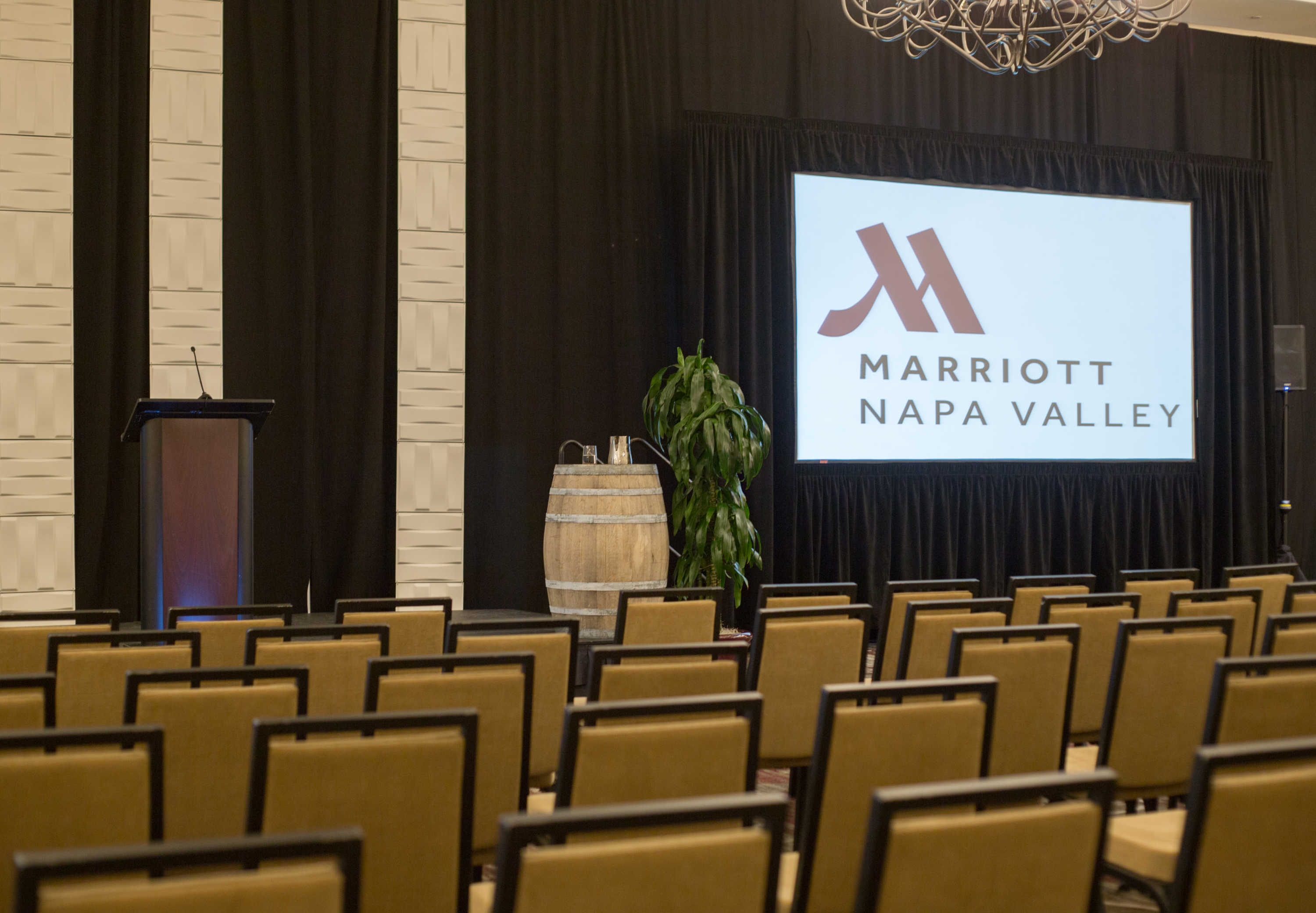napa valley marriott hotel spa napa california ca. Black Bedroom Furniture Sets. Home Design Ideas