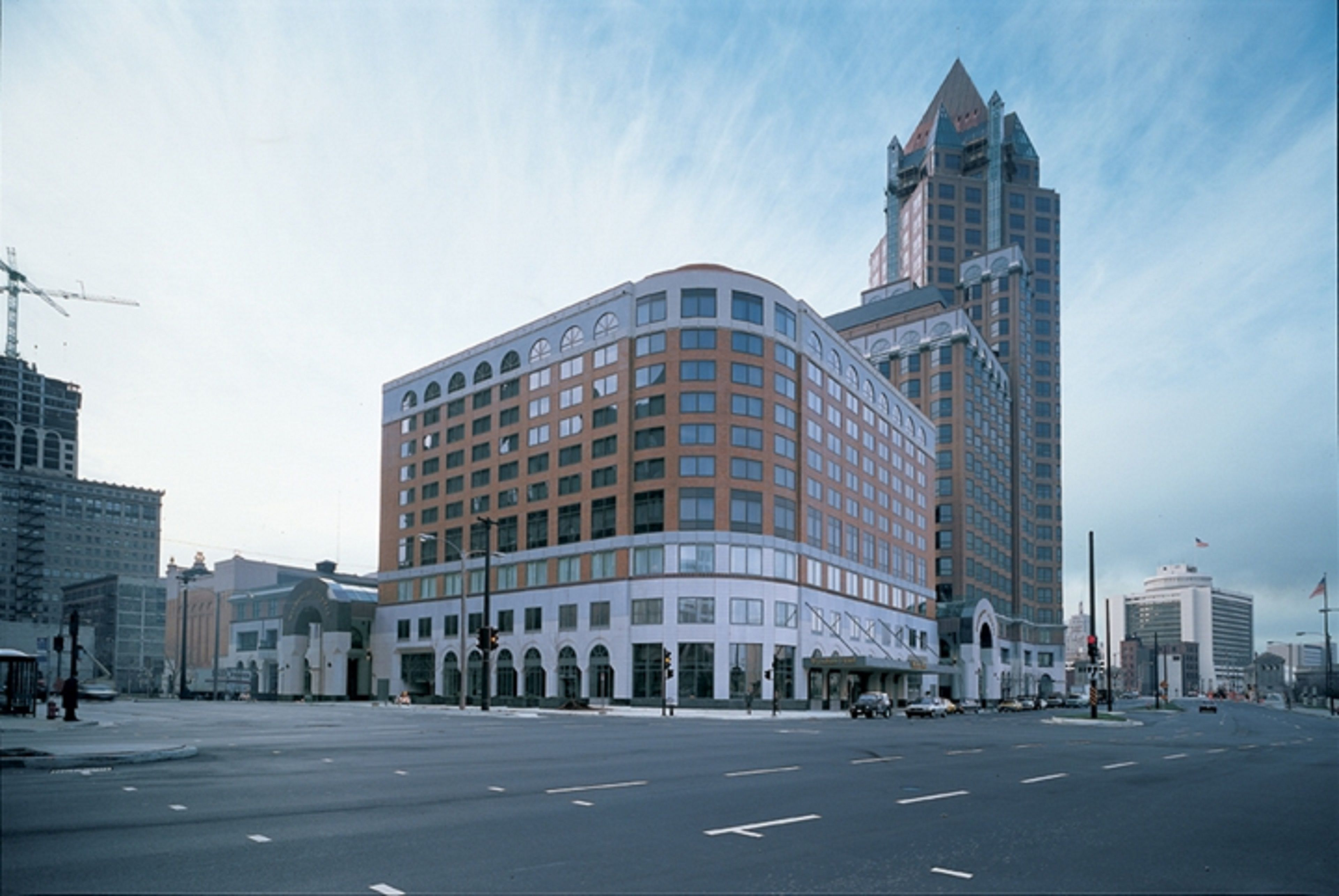 Best Hotels Downtown Milwaukee