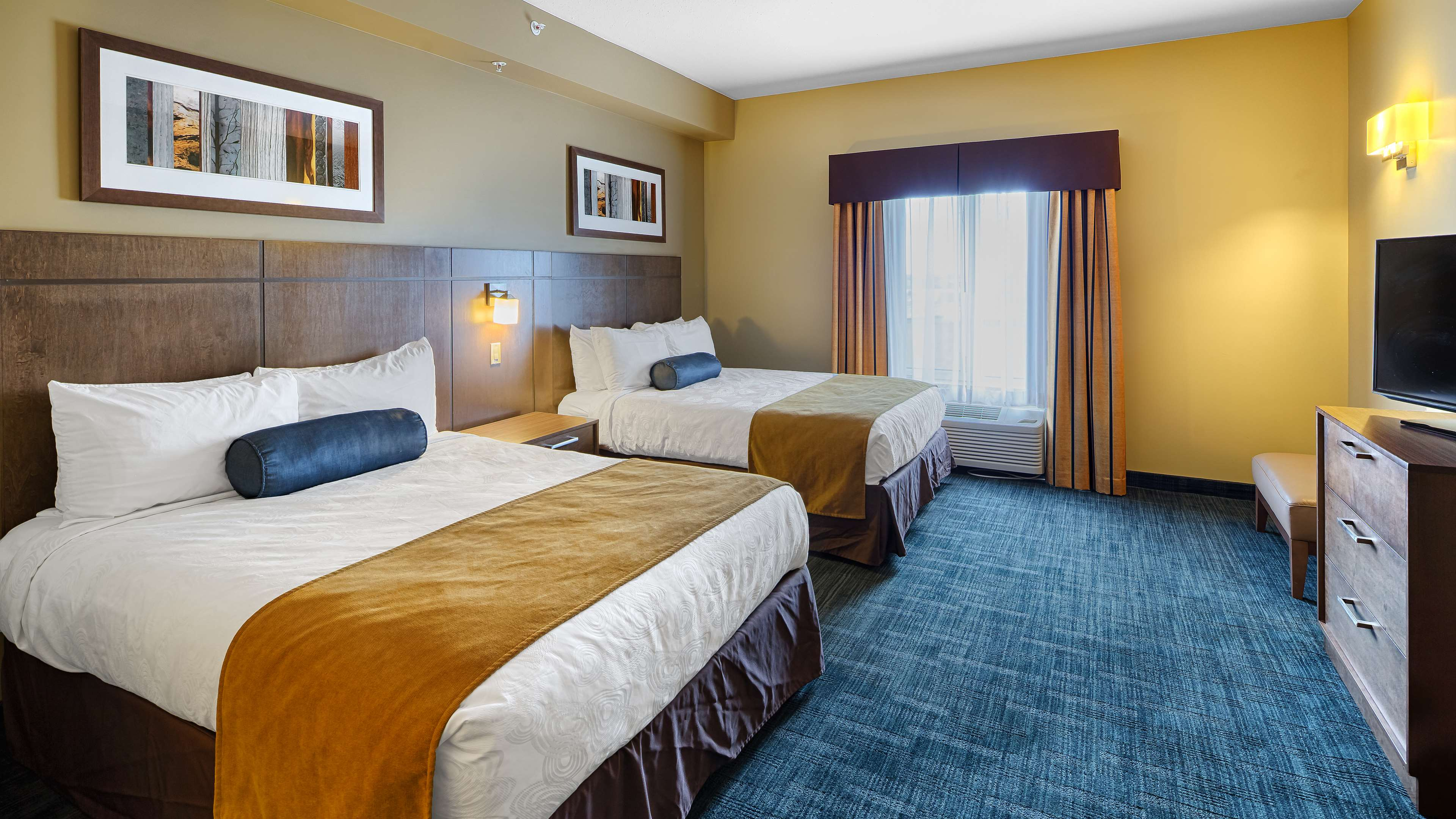 Double Queen Room Best Western Plus Winnipeg West Headingley (204)594-2200