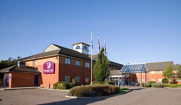 Premier Inn Luton South M1 J9
