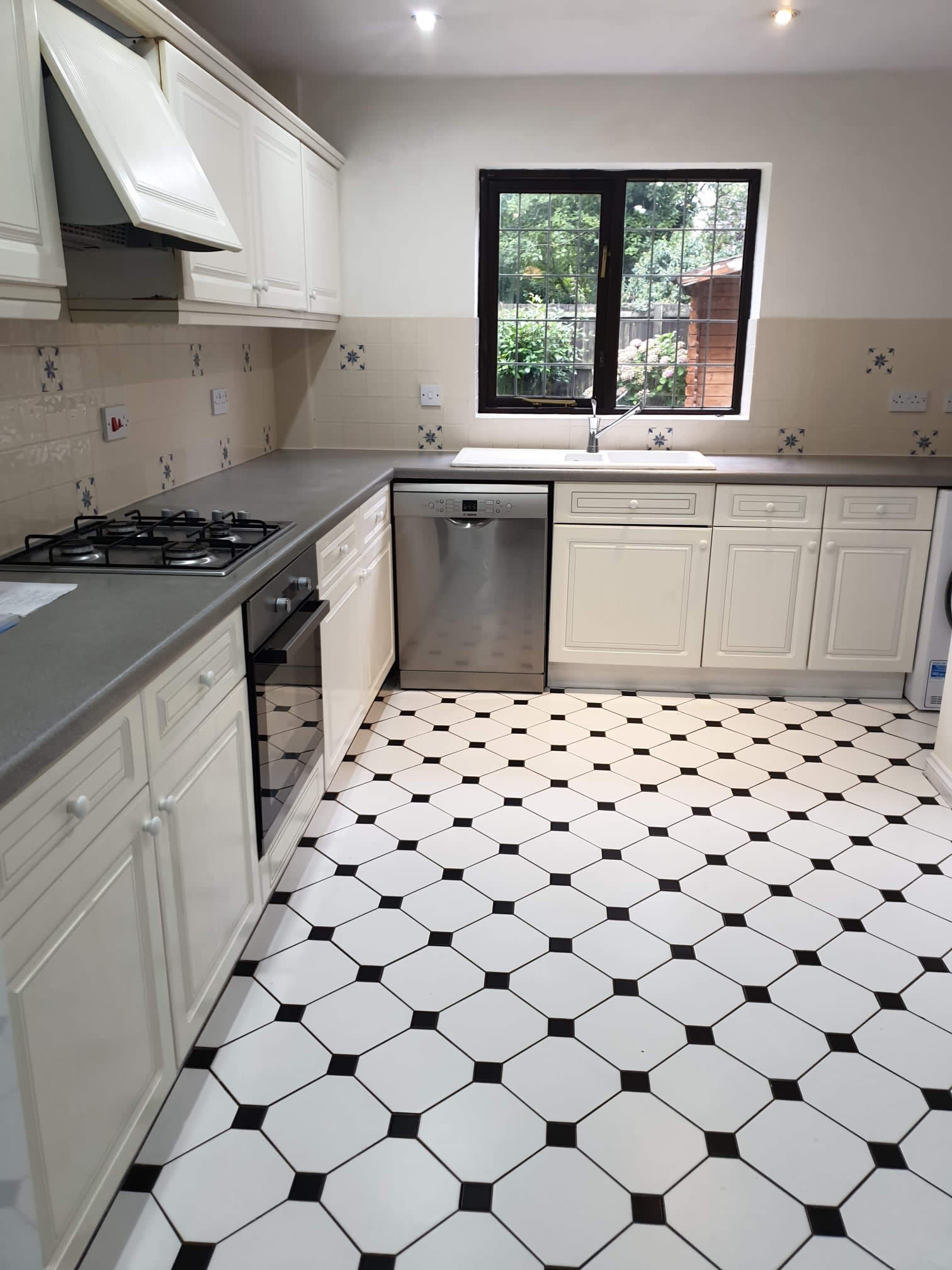 Valdi Cleaning Services End of Tenancy & Domestic Hemel Hempstead 07738 665028