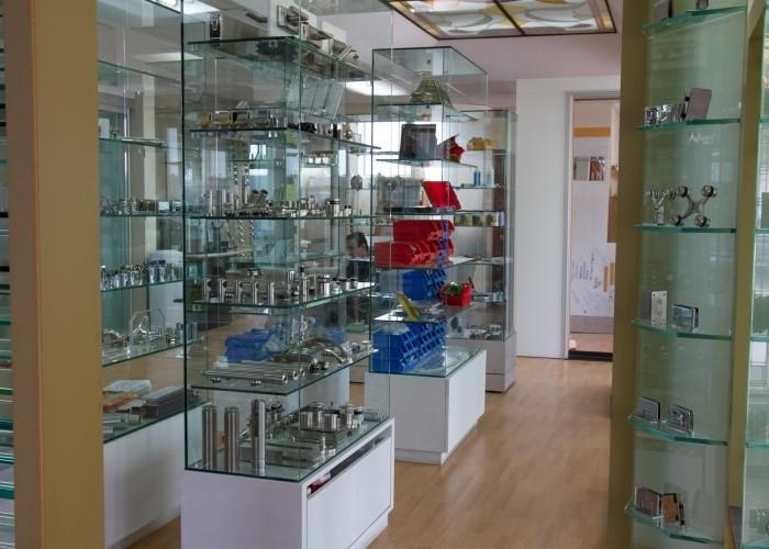 Vitrerie des Experts / Glass Experts à Montréal: Glass shop in Montreal since 1986