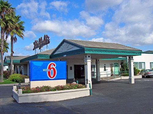 Motel 6 San Rafael CA image 1