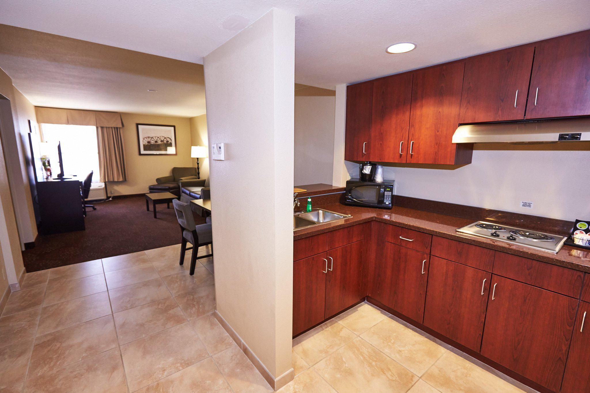 Holiday Inn Express Guesthouse Coupons near me in Fort Bliss, TX 79906 | 8coupons