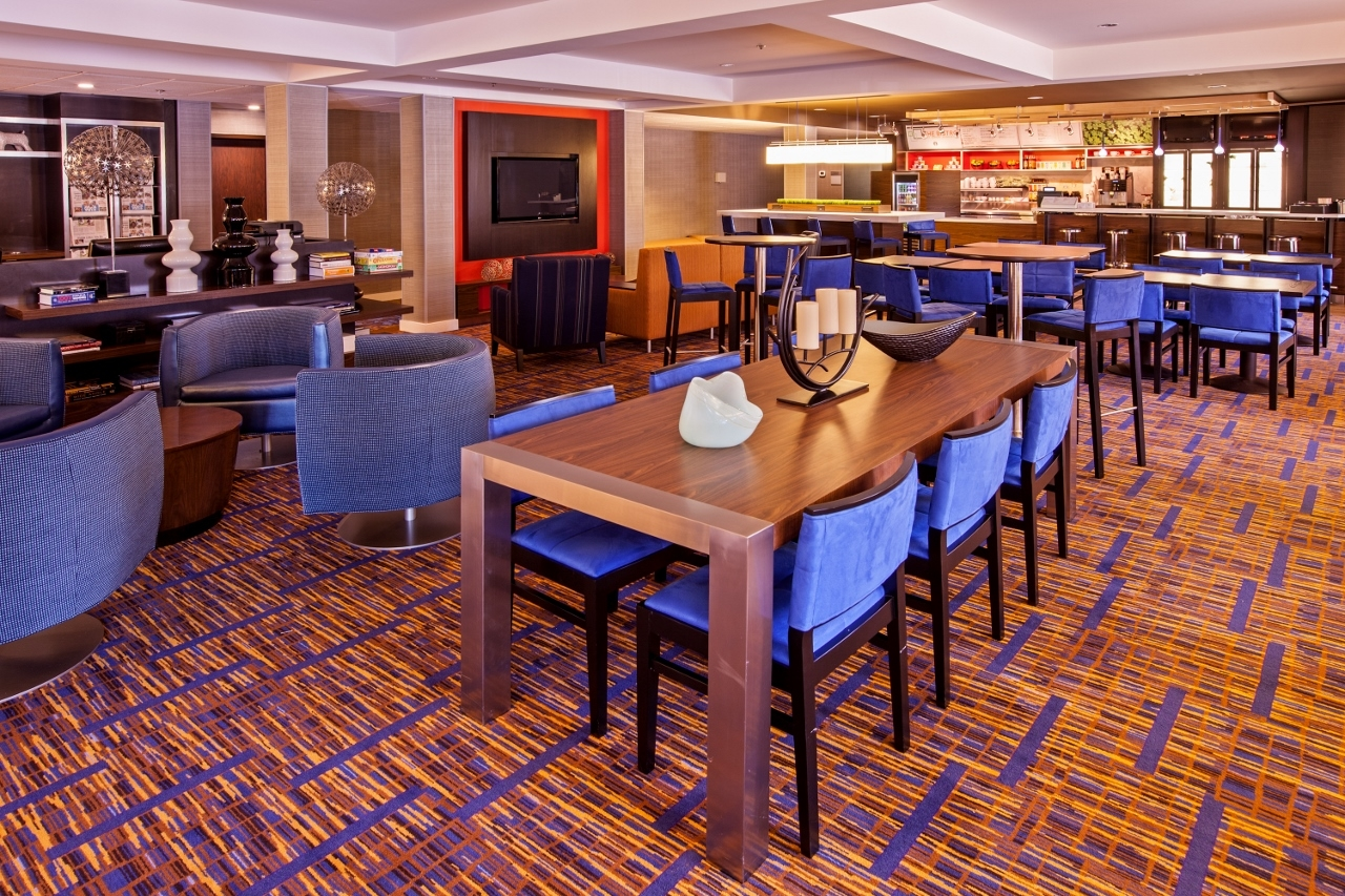 Courtyard by marriott chicago midway airport bedford park for Hotels near chicago midway