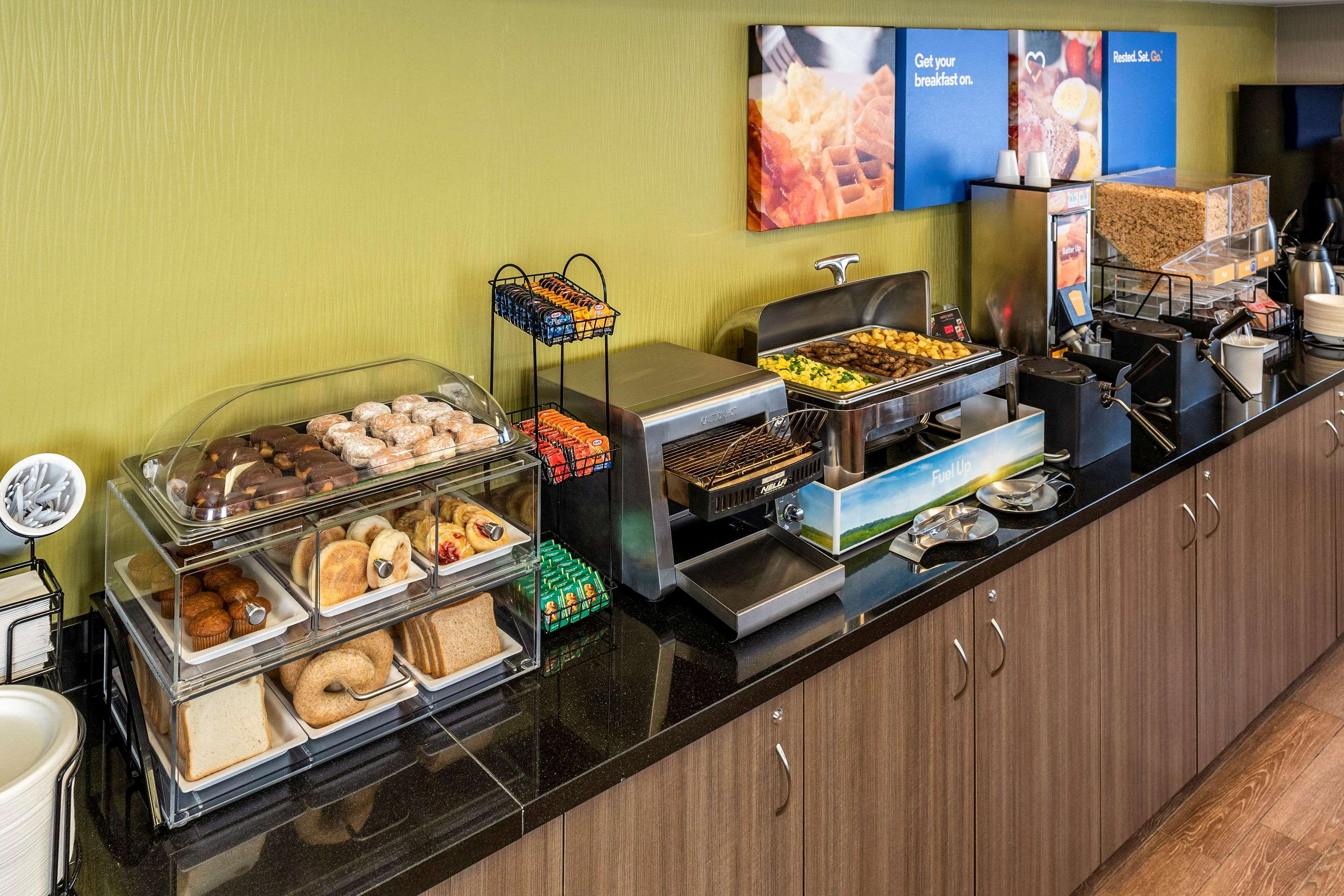 Comfort Inn in Saskatoon: An Assortment of Hot and Healthy Options