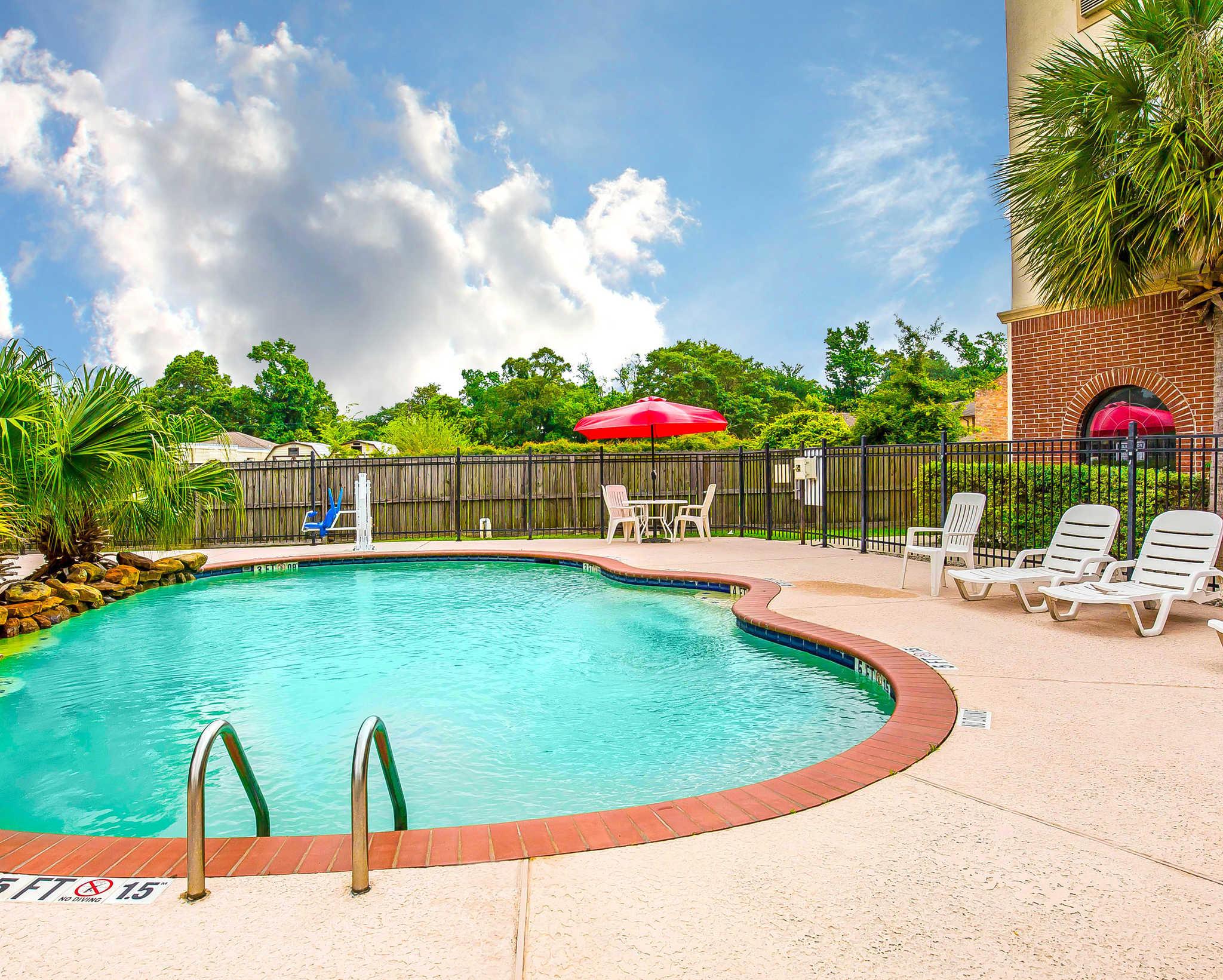 Econo Lodge Inn Suites Beaumont Texas Tx