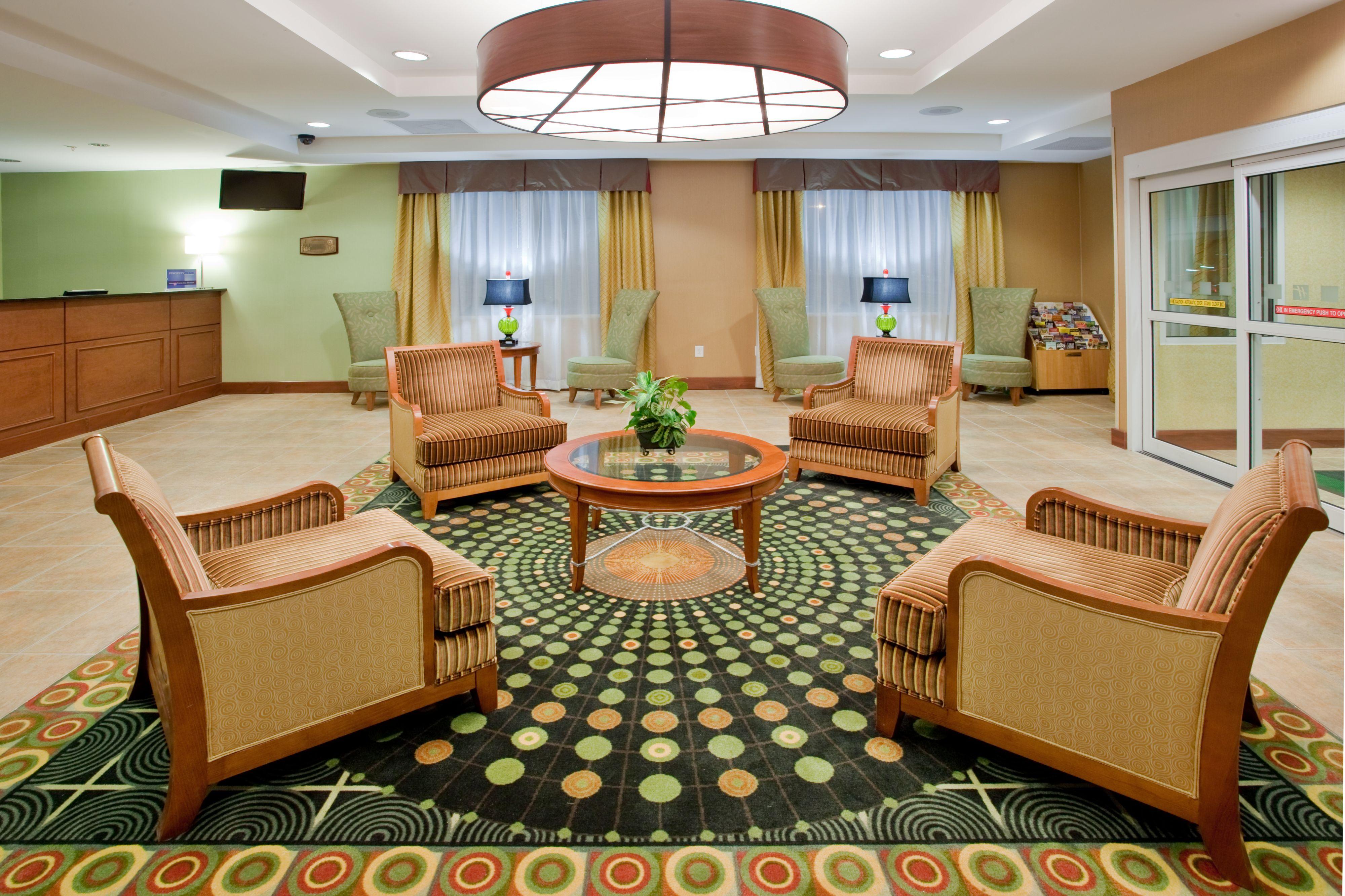 holiday inn richmond south city gateway in richmond va. Black Bedroom Furniture Sets. Home Design Ideas