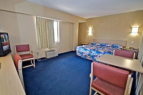 Motel 6 Washington DC image 8