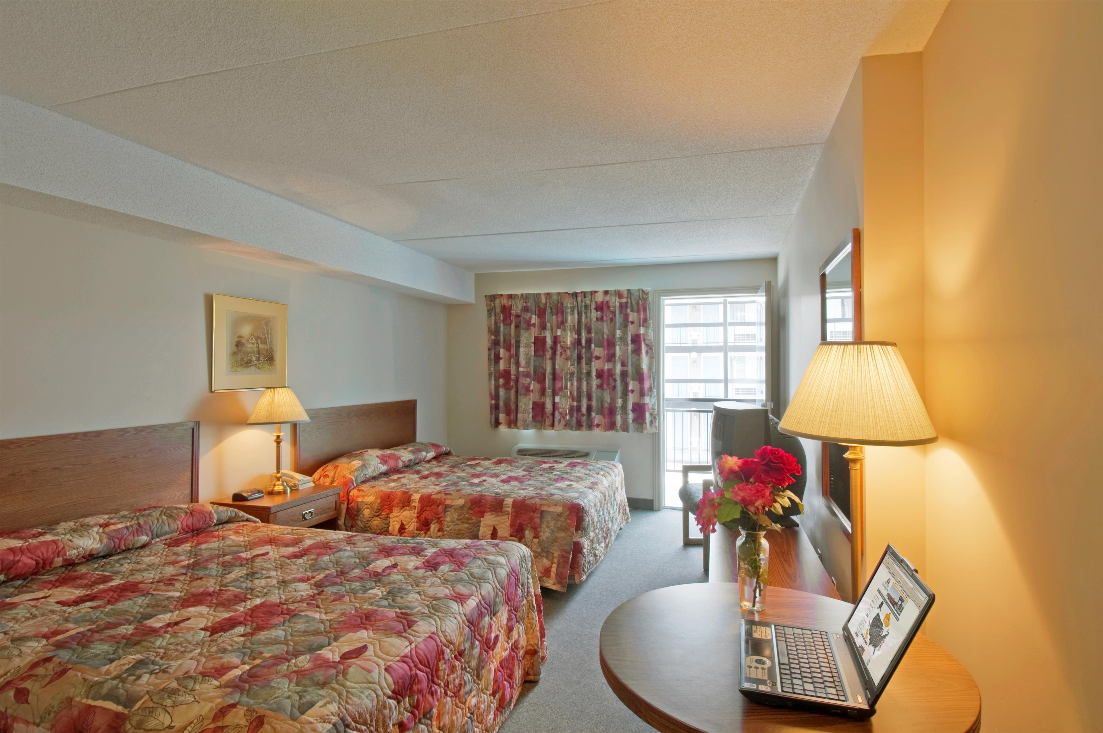 Americas Best Value Inn And Suites International Falls Americas Best Value Inn Suites Niagara Falls In Niagara Falls