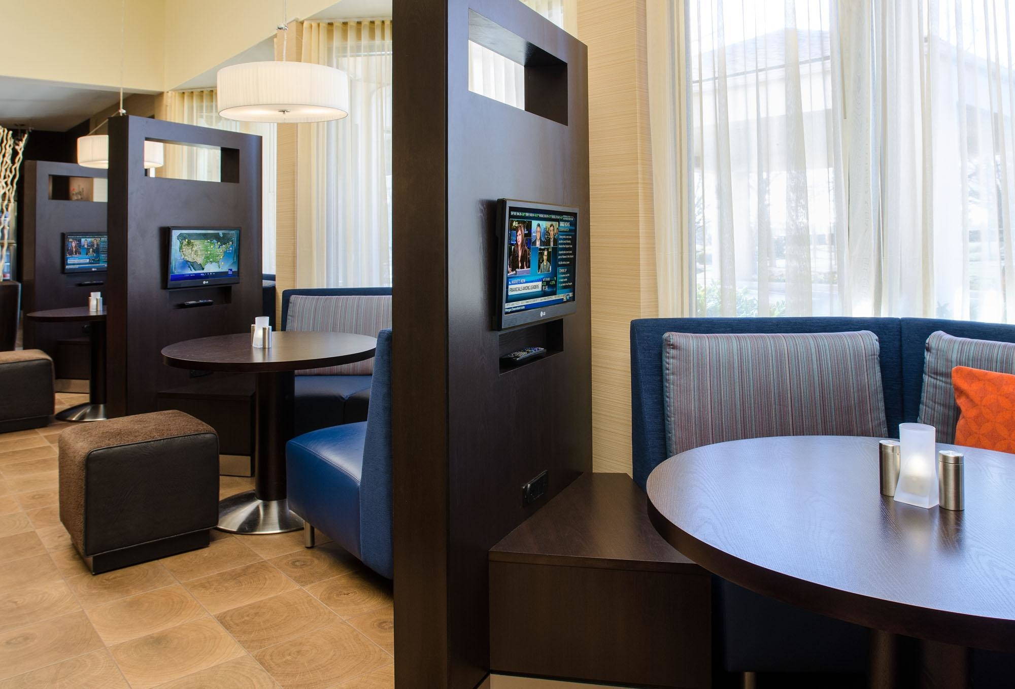 Http Www Marriott Com Hotels Travel Cltaw Courtyard Charlotte Arrowood