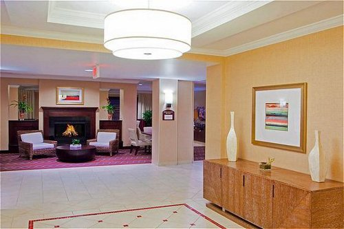 Holiday Inn Express & Suites Washington Dc Northeast image 1