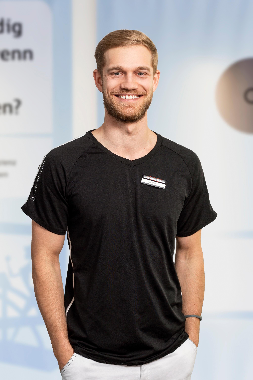 EMS Trainer Lennart Versick - Studioleitung