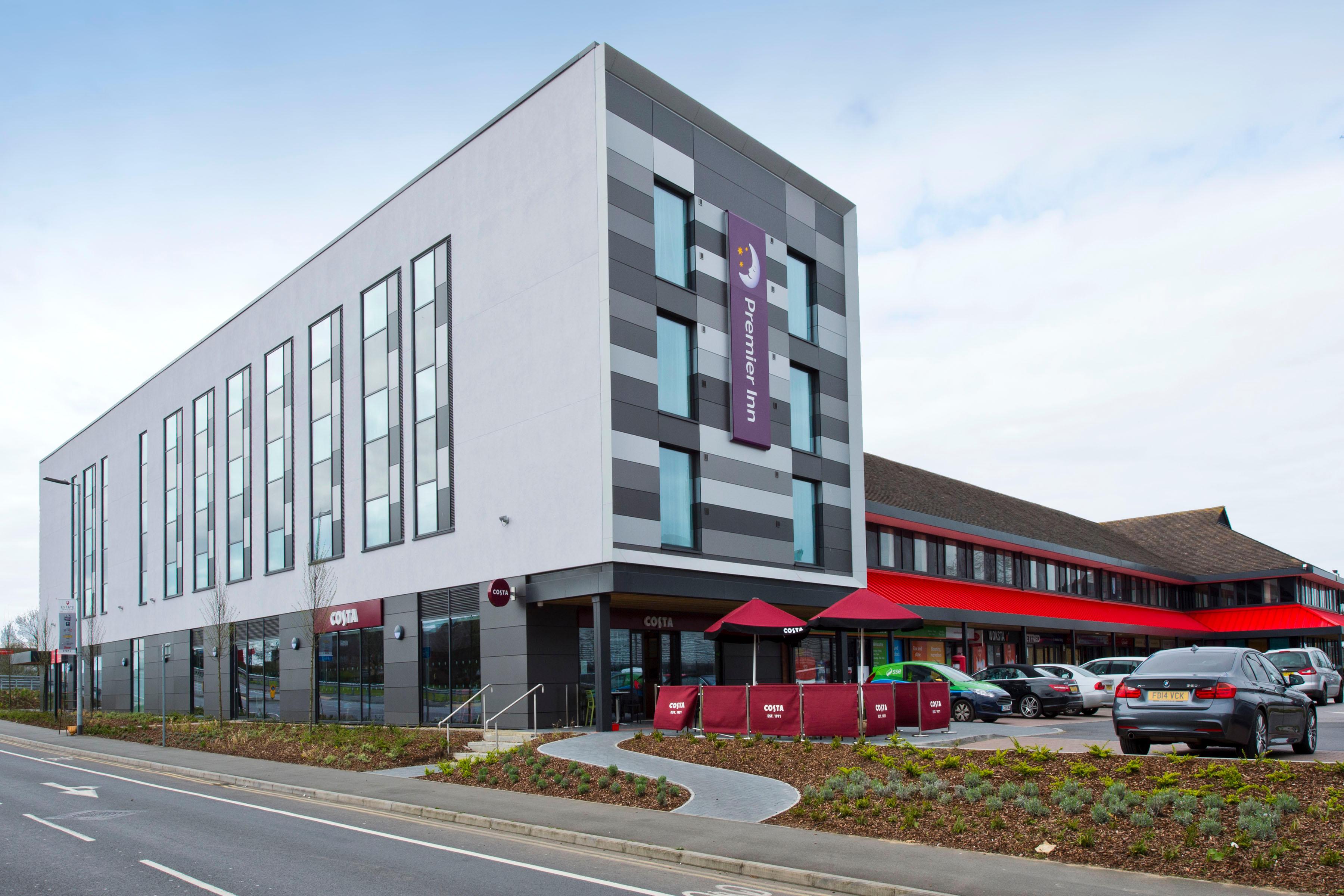 Premier Inn Slough West (Slough Trading Estate) hotel