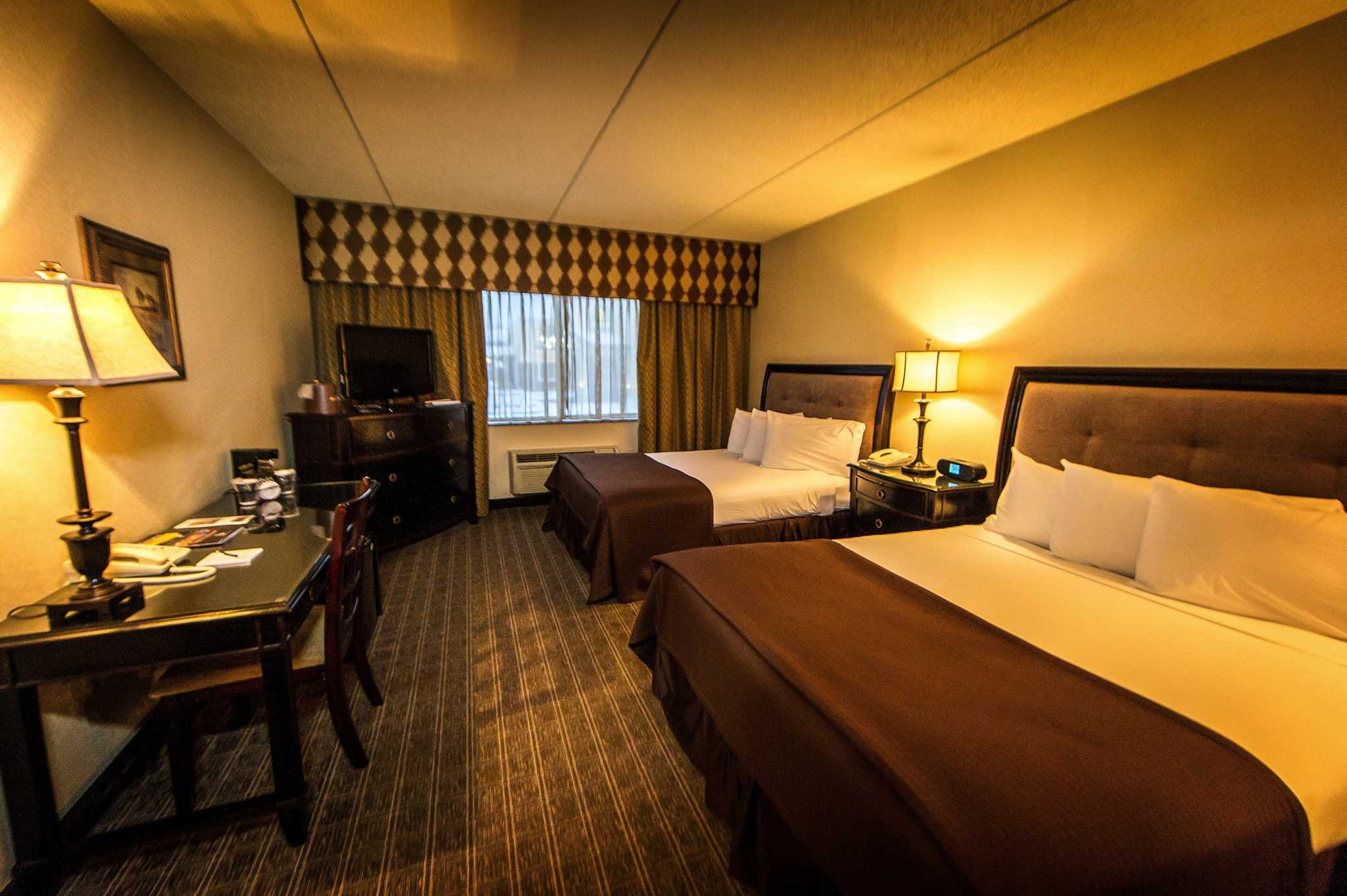 Salvatore 39 S Garden Place Hotel An Ascend Hotel Collection Member Williamsville New York Ny