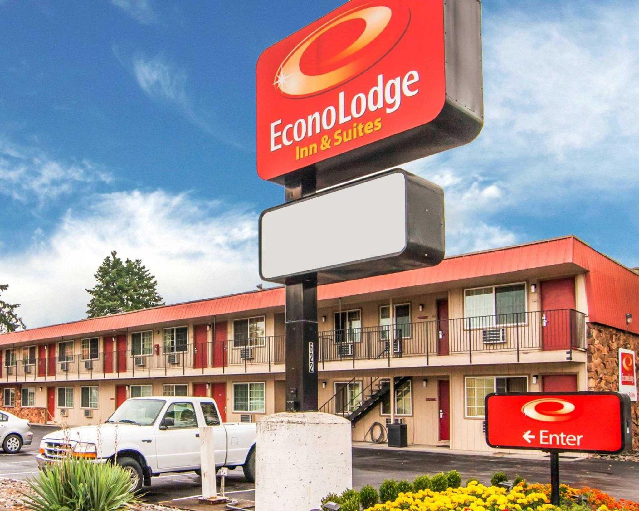 Econo Lodge Inn  U0026 Suites Hillsboro - Portland West  Hillsboro Oregon