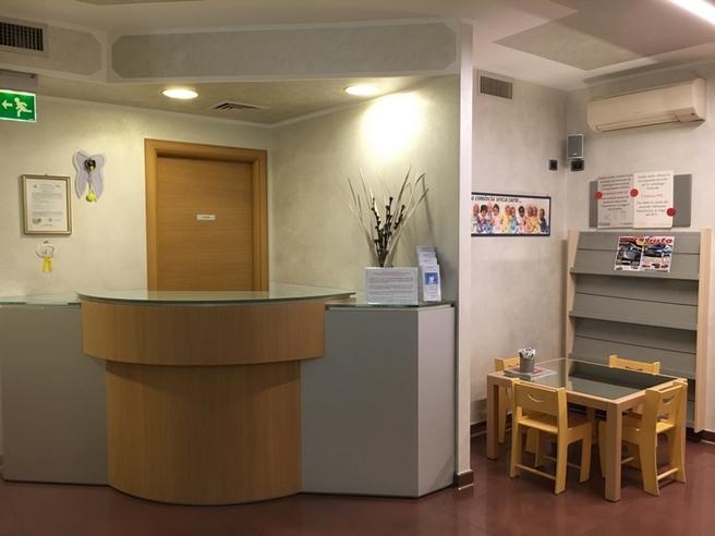 Studio dentistico nemo dentisti boretto italia tel - Gualtieri mobili reggio emilia ...