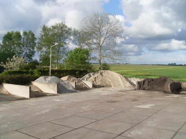 Loonbedrijf Kraanverhuur Transport Zand en Grindhandel