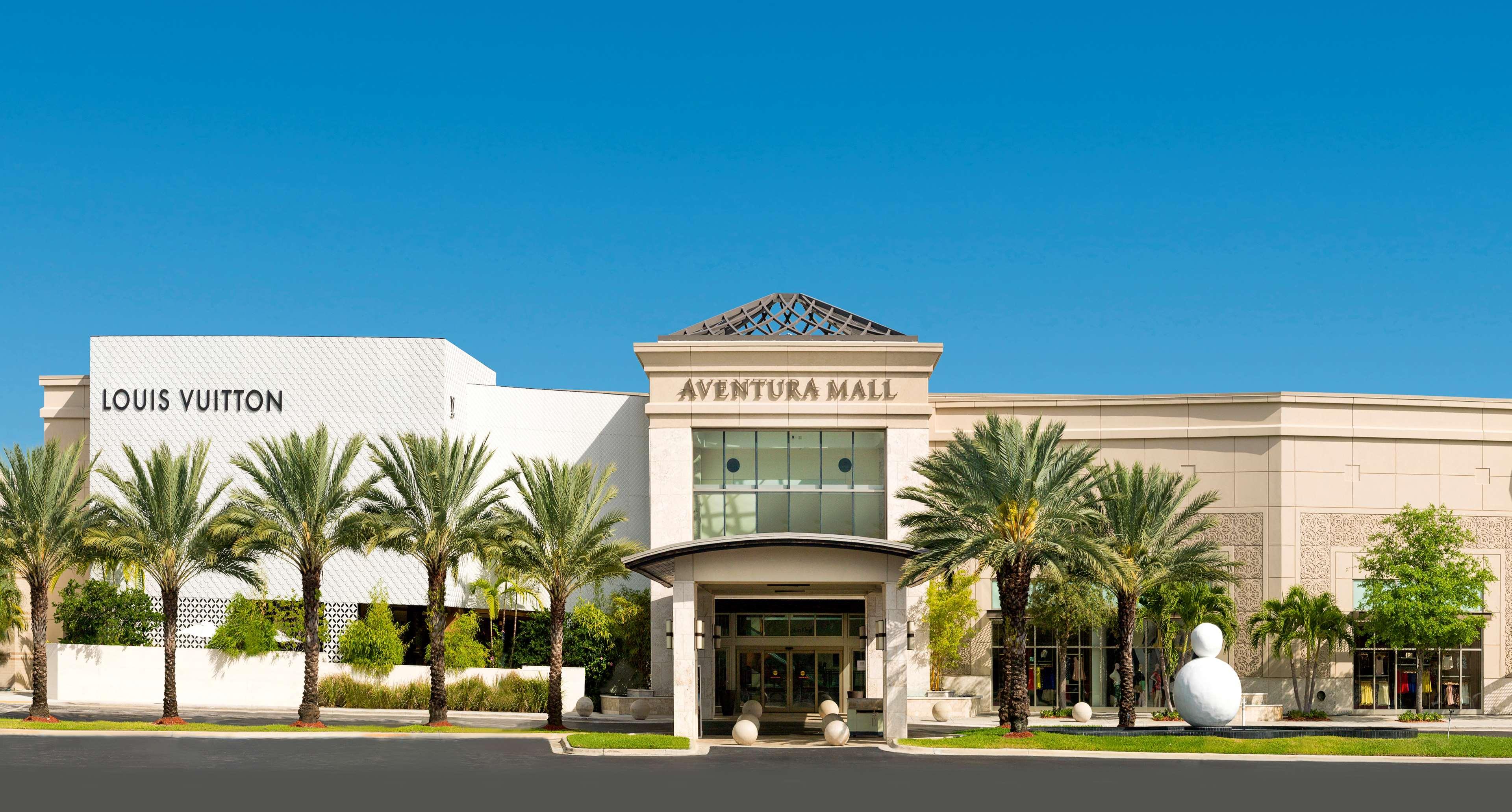 Hotels Near Aventura Mall