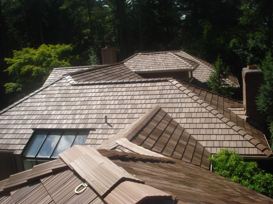 D hughes roofing in kirkland wa 98033 for Davinci shake roof reviews